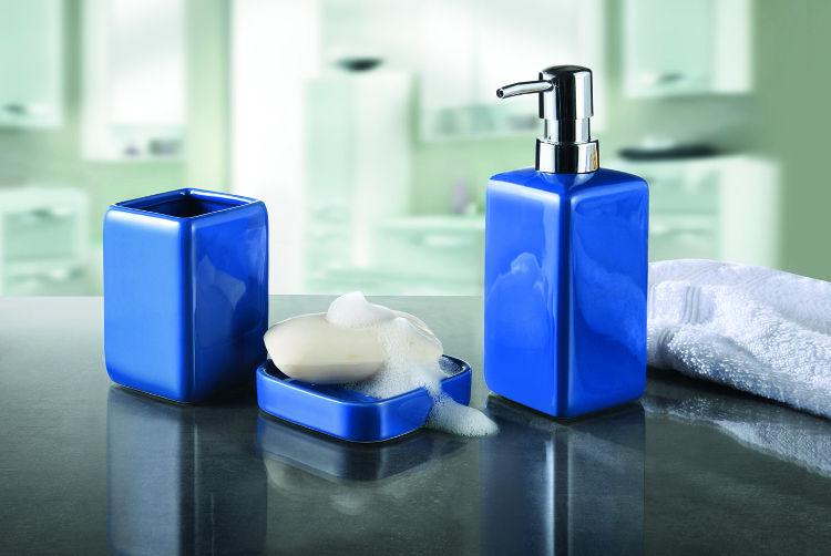 Akcesoria łazienkowe niebieskie