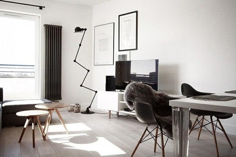 Skandynawski salon z minimalistycznym trendem